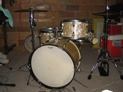 pic of the drum set